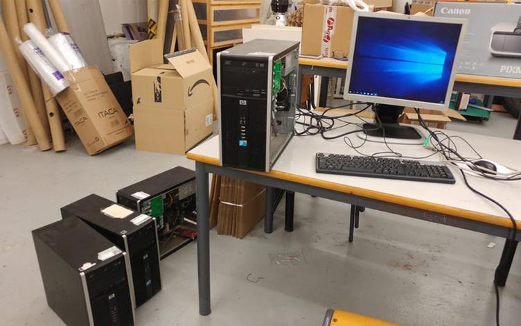 Preparando los equipos en la UPV para su envío